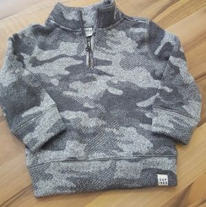 Boys GAP gray camo sweater EUC
